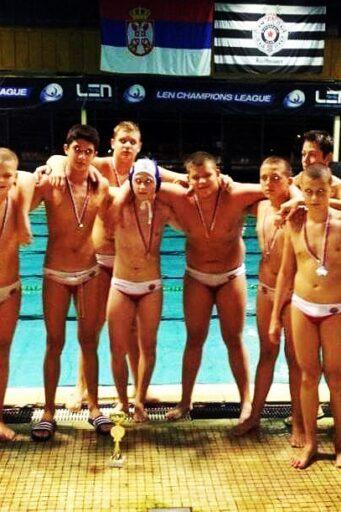 Juniori Dunava 2001.godišta osvojili su 2.mesto na Polufinalnom turniru Prvenstva Srbije u Nišu.